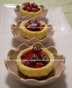 Jessie - CookingMoments: Mini Strawberry Baked Cheesecakes 迷你芝士蛋糕