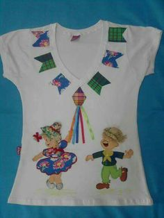 São João Diy And Crafts, Crafts For Kids, Arts And Crafts, Vestidos Chiffon, Happy June, Applique, Baby Bibs Patterns, Bib Pattern, Barbie