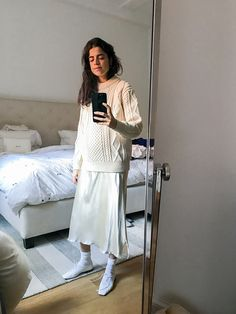 Leandra takes mirror selfies for 30 days. Again.