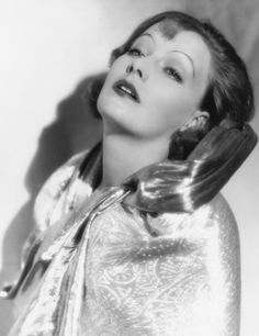 Greta Garbo, 1920s. I havent seen a garbo film in a month! Thats awful.