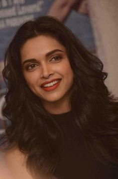 Discovered by deepika padukone FC. Find images and videos about smile, gorgeous and bollywood on We Heart It - the app to get lost in what you love. Beautiful Bollywood Actress, Beautiful Indian Actress, Beautiful Actresses, Deepika Ranveer, Deepika Padukone Style, Shraddha Kapoor, Ranbir Kapoor, Priyanka Chopra, Deepika Pic
