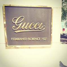 Gucci sign