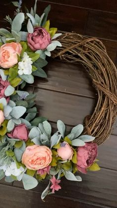 Gorgeous blooms in various shades of pink are paired with mixed greenery that create a stunning welcome to your home: our best selling wreath decor diy videos Our mixed peony wreath Diy Spring Wreath, Spring Door Wreaths, Easter Wreaths, Wreaths For Front Door, Diy Wreath, Grapevine Wreath, Christmas Wreaths, Wreath Ideas, Christmas Decor
