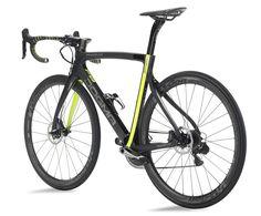 2016 Pinarello Dogma F8 Disc brake aero road bike Moois van Pina... En nu met schijven... Wanneer zien we ze in het profpeloton?
