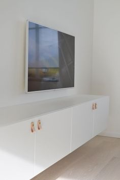 Bestå from IKEA mounted on the wall Buy Furniture Online, Ikea Furniture, Discount Furniture, Ikea Tv Console, Ikea Tv Stand, Tv Bench, Ikea Cabinets, Living Room Inspiration, My Living Room