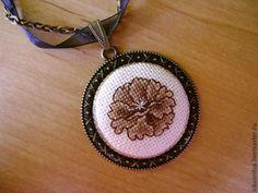 """Купить Кулон """"Цветок"""" - вышивка ручная, Кулон ручной работы, украшение на шею, авторская работа"""