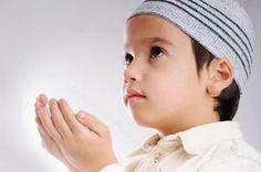Sure 31, Vers 26  Allahs ist, was in den Himmeln und auf Erden ist. Wahrlich, Allah ist Der, Der auf keinen angewiesen ist, der Preiswürdige.