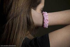 Majkatv / Ružovobiely perličkový náramok