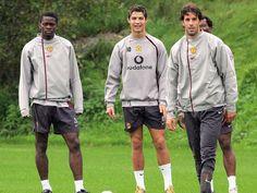 Ruud Van Nistelrooy, Cristiano Ronaldo, Training, Football, Jackets, Fashion, Soccer, Down Jackets, Moda