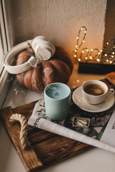 Autumn mood discovered by Alexandra Nousia on We Heart It Cozy Aesthetic, Autumn Aesthetic, Fall Wallpaper, Wallpaper Wallpapers, Autumn Cozy, Seasons Of The Year, Coffee And Books, Autumn Photography, Fall Pictures