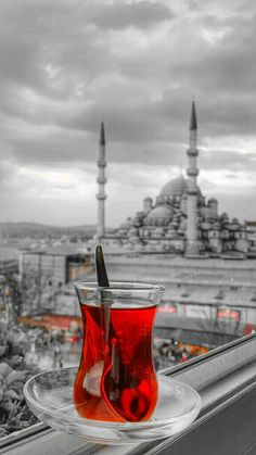 2020 World Travel Populler Travel Country Color Splash, Turkish Tea, Turkey Photos, Beautiful Mosques, Girl Photography Poses, Istanbul Turkey, Art Background, Coffee Love, Black And White Pictures