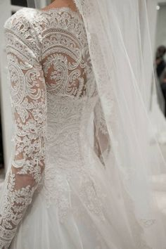 Love long sleeved wedding dresses especially in lace! Very regal lace as well! #wedding #dresses