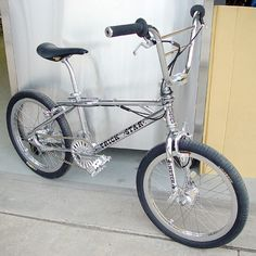VintageRedline.com » Hutch Trickstar Flatland Freestyle 20″ BMX  Chrome on chrome... What more can you say about this bike... It's an impressive when machinery meets art!!!