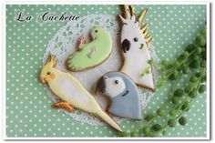 Picture of cockatiel cookie. It would be awesome to have the cutters for all of these birds.