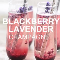 This BlackBerry Lavendar Champagne Cocktail gets a unique twist with a simple bl. - This BlackBerry Lavendar Champagne Cocktail gets a unique twist with a simple blackberry and lavend - Cocktails Champagne, Beste Cocktails, Cocktail Drinks, Comida Diy, Alcohol Drink Recipes, Think Food, Party Drinks, Wine Party Appetizers, Wine Parties