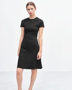 Crew Neck Dress Black | Minimalist casual wear | Capsule wardrobe | Slow fashion | Simple style | Minimalist style | LBD | Little black dress | Scandinavian casual wear | Stylish work outfit