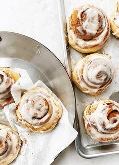 cinnamon rolls | the vanilla bean baking book | sarah kieffer Overnight Cinnamon Rolls, Best Cinnamon Rolls, Oatmeal Scones, Sugar Donut, Powdered Sugar, Sweet Dough, Delicious Breakfast Recipes, Brunch Recipes, Sweet Recipes