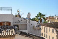 Palma de Mallorca: Penthouse in Santa Catalina with roof terrace.