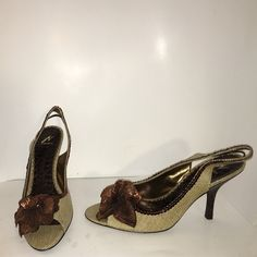"""BN J. Vincent sequin open toe pump 8 Brand new, never worn! The material is like a basket-woven type material with brown sequins all around that come down into a sequin flower. No sequins missing! Faux croc heel. Approx 3"""" heel. J. Vincent Shoes Heels"""