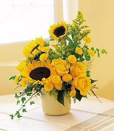 100 Beauty Spring Flowers Arrangements Centerpieces Ideas 79 100 Beauty Spring Flowers Arrangements Centerpieces Ideas 79 This image has get. Sunflower Arrangements, Spring Flower Arrangements, Rose Arrangements, Beautiful Flower Arrangements, Floral Centerpieces, Flower Vases, Beautiful Flowers, Rustic Sunflower Centerpieces, Wedding Centerpieces