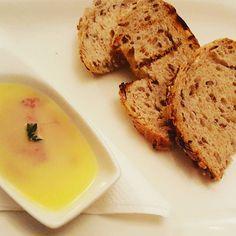 Pâté de ficat de pui servit cu pâine prăjită cu semințe | Restaurant Merlot - Timișoara Chorizo, Risotto, Eggs, Restaurant, Cookies, Breakfast, Desserts, Breakfast Cafe, Tailgate Desserts