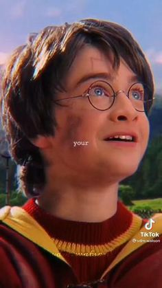 Hogwarts, Harry Potter, Celebrities, Random Things, Easy Drawings, Celebs, Celebrity, Famous People