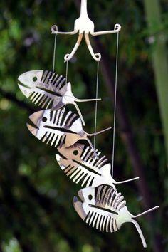 Rustic Bonefish Upcycled Flatware Windchime - Rustic Patina Silver Plate Skeleton Spoon Fish Mobile Art - Cute Outdoor Halloween Decoration Willkommen in Metal Yard Art, Scrap Metal Art, Mobiles Art, Silverware Art, Spoon Art, Diy Wind Chimes, Welding Art, Fish Design, Metal Crafts