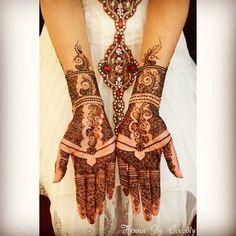 Photo: mehndi maharani finalist: Henna By Cocolily - Maharani Weddings Latest Bridal Mehndi Designs, Unique Mehndi Designs, Henna Designs Easy, Beautiful Henna Designs, Mehandi Designs, Tattoo Designs, Henna Tatoos, Mehndi Tattoo, Henna Mehndi
