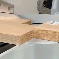 Woodworking Ideas To Sell, Unique Woodworking, Woodworking Joints, Woodworking Techniques, Woodworking Furniture, Woodworking Plans, Popular Woodworking, Woodworking Inspiration, Pipe Furniture