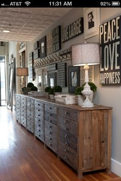Love the extra long reclaimed wood chest. I could fill this up.