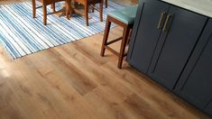 Provide a fresh and exclusive look to any room in your home with the addition of this affordable LifeProof Fresh Oak Luxury Vinyl Plank Flooring. House Decor Rustic, Pergo Flooring, Vinyl Plank Flooring, Flooring Options, House Flooring, Vinyl Floor Covering, Flooring Trends, Lifeproof Vinyl Flooring, Luxury Vinyl Plank