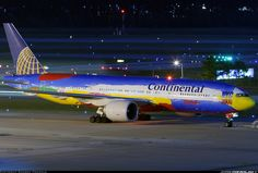 Peter Max fusilage livery for Continental Airlines