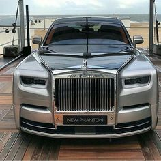 Phantom is the signature Rolls-Royce; an iconic and enduring interpretation of the modern motor car. Explore down for the Best Rolls Royce Phantom For Him. Rolls Royce Phantom, Voiture Rolls Royce, Rolls Royce Cars, Bugatti, Bmw, Porsche, Best Classic Cars, Best Luxury Cars, Maybach