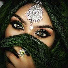 Arabic Make up Arabic Bridal Party Wear Makeup Tutorial Step by Step Tips & Ideas 2018 Arabian Eyes, Arabian Makeup, Arabian Beauty, Arabian Nights, Bridal Makeup, Wedding Makeup, Prom Makeup, Bollywood Makeup, Makeup Tumblr