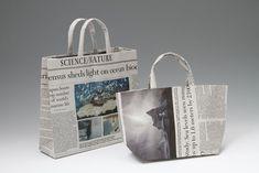 英字新聞のエコバッグ Newspaper Bags, Newspaper Crafts, Origami Bag, Origami Boxes, Fabric Paper, Creative Crafts, Science Nature, Packaging Design, Recycling