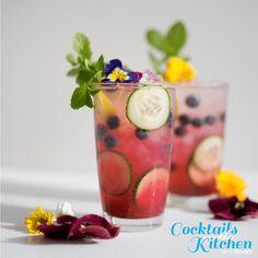 SodaStream Recipe - Sparkling Blueberry Mojito With Sparkling Water Tritip Recipes, Blueberry Mojito, Blueberry Bushes, Soda Stream Recipes, Mojito Cocktail, Mojito Recipe, Cocktail Ingredients, Frozen Blueberries