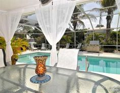 Need pictures of your decorated screened porch/lanai because I'm clueless. (sand, color) - Home Interior Design and Decorating Lanai Decorating, Florida Decorating, Decorating Ideas, Decor Ideas, Lanai Design, Florida Lanai, Pergola, Screened In Patio, House Deck