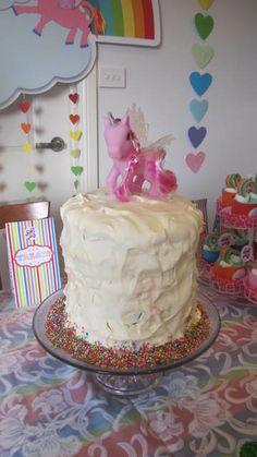 Cloud decoration with glitter heart raindrops Glitter Birthday Parties, Glitter Party, Unicorn Birthday Parties, Unicorn Party, 5th Birthday, Birthday Ideas, Cloud Decoration, Unicorn Photos, Bookmarks Kids