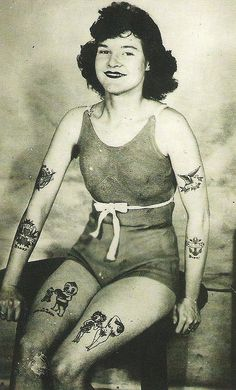 43 Trendy Tattoo Old School Woman Vintage Photographs Retro Tattoos, Girl Tattoos, Vintage Tattoos, Tatoos, Modern Tattoos, Body Tattoos, Sailor Tattoos, Sleeve Tattoos, Tattoo Designs For Women