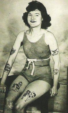 43 Trendy Tattoo Old School Woman Vintage Photographs Retro Tattoos, Girl Tattoos, Vintage Tattoos, Modern Tattoos, Body Tattoos, Sailor Tattoos, Sleeve Tattoos, Tattoo Old School, 4 Tattoo