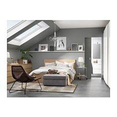 IKEA - MALM, Rám postele, vysoký, s 2 úlož škat, Lönset, 180x200 cm, , Dve veľké zásuvky na kolieskach vám poskytnú pod posteľou dodatočný priestor.Vďaka dyhe z pravého dreva naberá posteľ vekom na kráse.Vďaka nastaviteľným bočniciam môžte použiť matrace rôznej hrúbky.28 líšt z vrstvenej brezy rozdelených do 5 komfortných zón sa prispôsobí vašej hmotnosti a zvýši pružnosť vášho matraca.