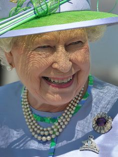 A double brooch occasion. Love it. The Kent Amethyst and The Canadian VanDoos Cap, the Royal 22nd regiment Badge.