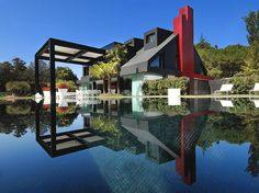 Madrid's Casa i-Home Is Controlled by Apple Devices