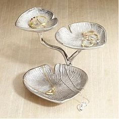 lily pad jewellery holder