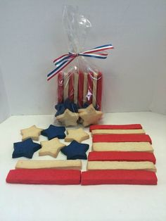 4th of July Stars and Stripes: The perfect hostess gift or a delicious and festive addition to your backyard barbeque dessert table.  A portion of the proceeds from each purchase will be donated to Operation Gratitude, a non for profit that sends care packages to troops all over the world.  Includes 9 Stripes and 6 Stars.