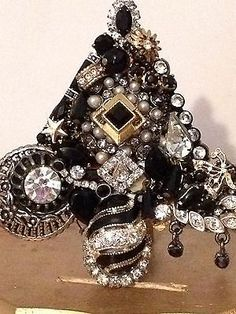 Vintage Rhinestone Christmas Tree Pin Black Beauty Rhinestones Signed Laheir | eBay