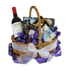 Order best gift hampers online, get quick delivery in Australia anytime. Send food, cheese, wine, gourmet and other traditional gift baskets online. Family Gift Baskets, Food Gift Baskets, Christmas Gift Baskets, Christmas Hampers Australia, Christmas In Australia, Send Gift Basket, Movie Night Gift Basket, Orange Gift Basket