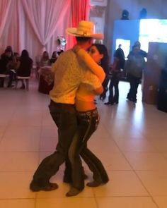 Cute Cowgirl Outfits, Rodeo Outfits, Fall Outfits, Cowboy Boot Outfits, Country Girls Outfits, Couple Goals Relationships, Relationship Goals Pictures, Dance Choreography Videos, Dance Videos