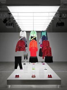 Image 18 of 25 from gallery of Nike Pop Up Showroom / Maggie Peng & Albert…