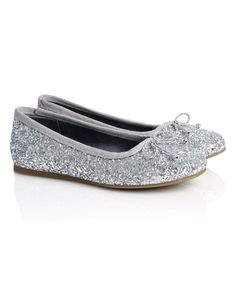 glitter-bow-pump from jigsaw also come in graphite (dark grey) Leather Loafers, Leather Sandals, Bridal Flats, Pointed Flats, Plimsolls, Womens Flats, Graphite, Dark Grey, Bow